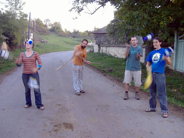 juggling volunteers 2007